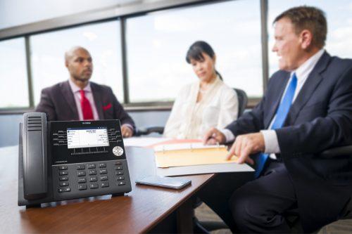 IEN Industry Solutions businessmen in meeting room